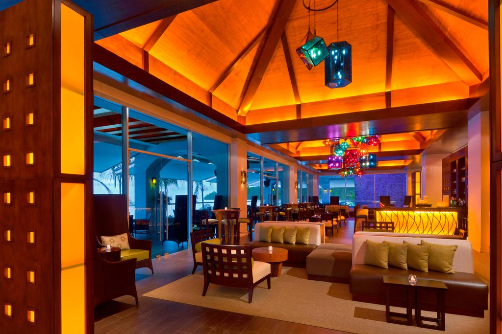 Dreams Playa Bonita Panama - Oasis Bar <br/>Image from Leonardo