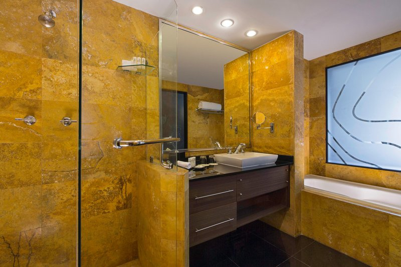 Le Meridien Panama - Platinum Suite - Bathroom <br/>Image from Leonardo