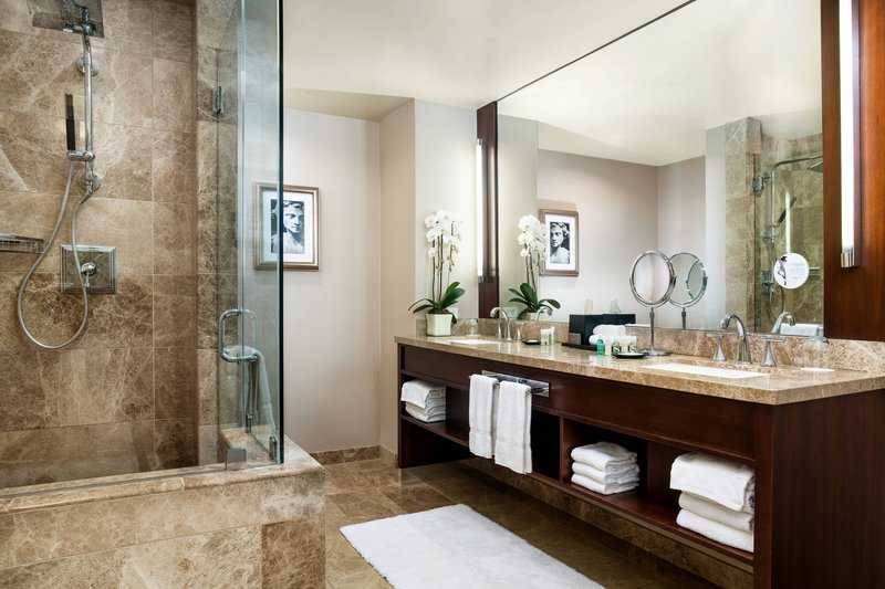 The Westin St. Francis - Tower Building Windsor Suite – Bathroom <br/>Image from Leonardo