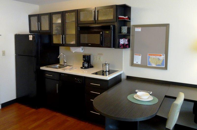 Candlewood Suites Boston-Burlington-Studio Suite Kitchen<br/>Image from Leonardo