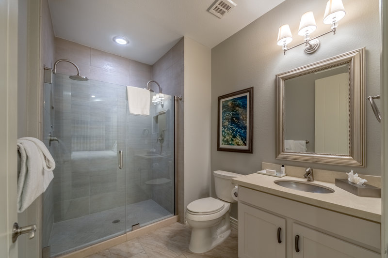Holiday Inn Club Vacations Galveston Beach Resort-Spacious bathroom in Signature Collection villa<br/>Image from Leonardo