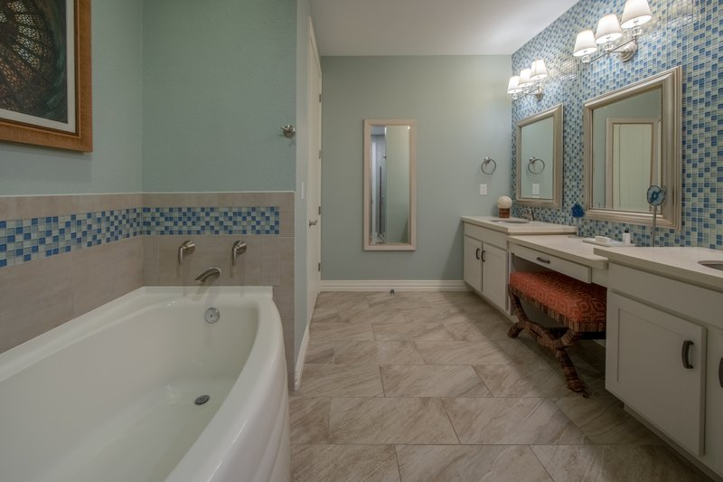 Holiday Inn Club Vacations Galveston Beach Resort-Beautiful tub in Signature Collection bathroom<br/>Image from Leonardo