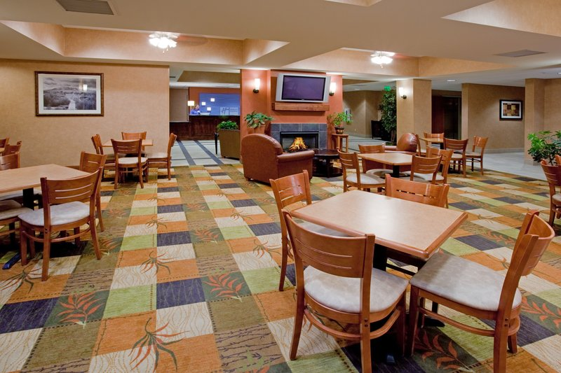 Holiday Inn Express Rawlins-Breakfast Area at the Holiday Inn Express, Rawlins, WY<br/>Image from Leonardo