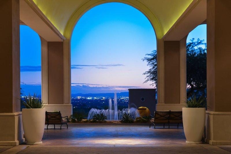 The Westin La Paloma Resort & Spa-Porte-cochère<br/>Image from Leonardo