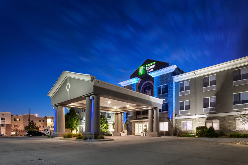 Holiday Inn Express & Suites Bellevue (Omaha Area)-We are located near many shopping and dining options!<br/>Image from Leonardo