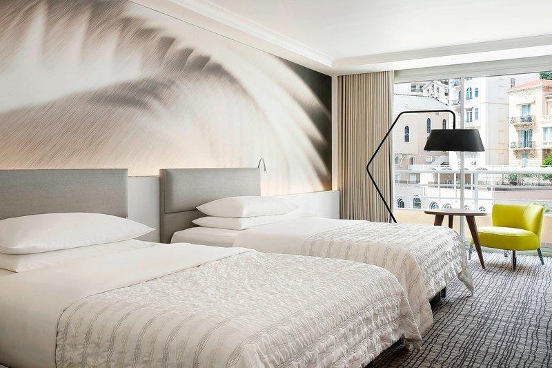 Le Meridien Beach Plaza-Queen Executive Guest Room<br/>Image from Leonardo