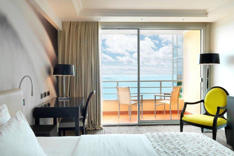 Le Meridien Beach Plaza-King Deluxe Guest Room - Full Seaview<br/>Image from Leonardo