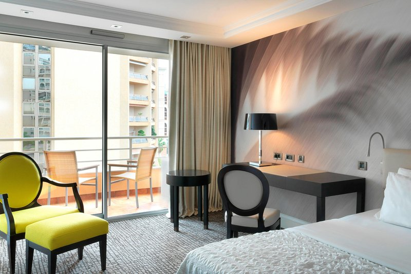 Le Meridien Beach Plaza-King Deluxe Guest Room - Partial Seaview<br/>Image from Leonardo