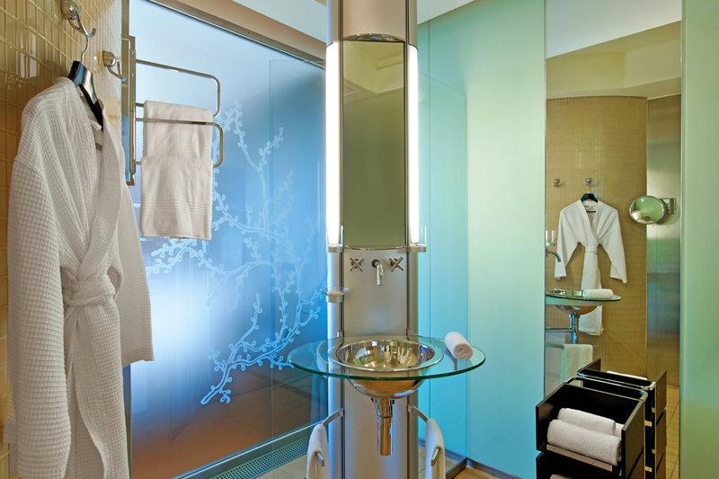 Le Meridien Beach Plaza-Design Bathroom<br/>Image from Leonardo