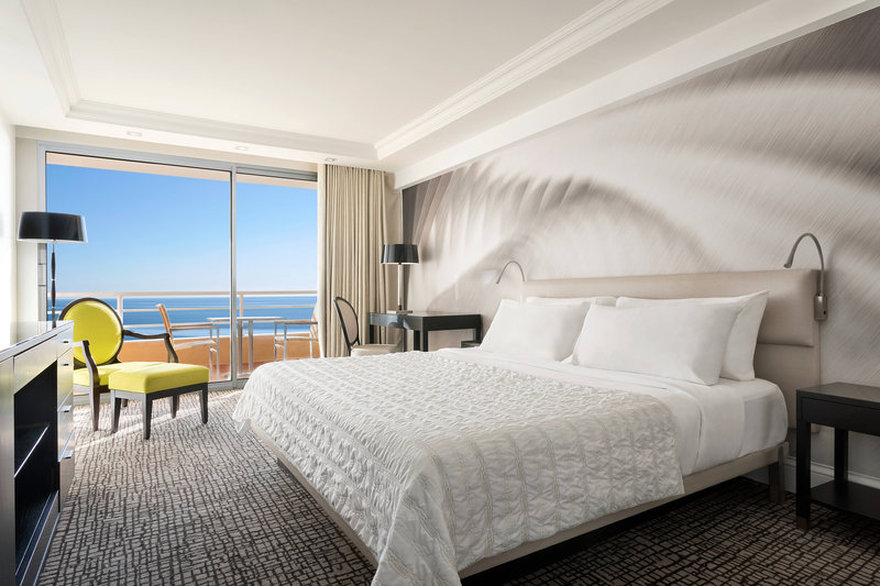 Le Meridien Beach Plaza-Deluxe Sea Front Guest Room<br/>Image from Leonardo