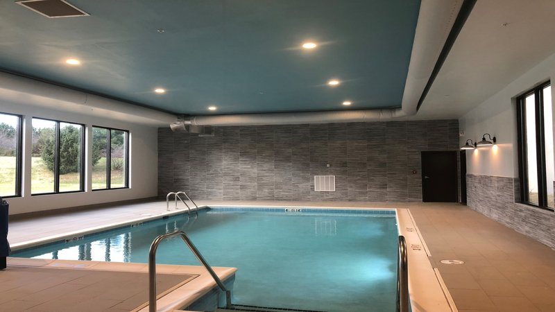 Holiday Inn Roanoke - Valley View-Our Temp Controlled Swimming Pool for those early morning laps<br/>Image from Leonardo