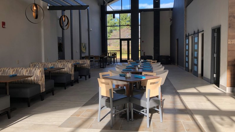 Holiday Inn Roanoke - Valley View-Lots of seating areas in our restaurant for breakfast or dinner<br/>Image from Leonardo