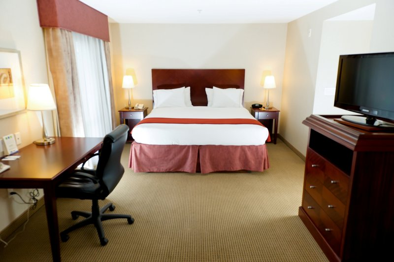 Holiday Inn Express & Suites Surrey-Holiday Inn Express & Suites Surrey - King Feature Guest Room<br/>Image from Leonardo