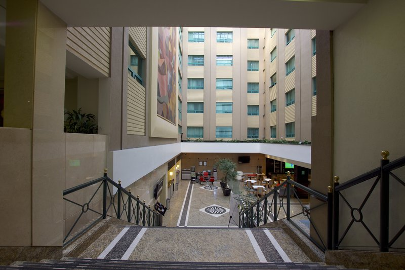 Holiday Inn Ciudad de Mexico-Trade Center-Hallway<br/>Image from Leonardo