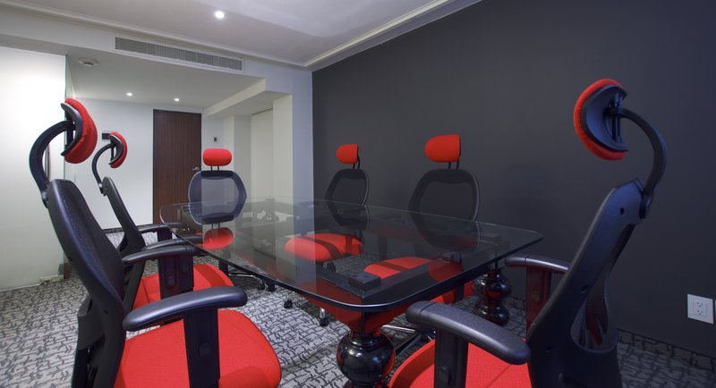Holiday Inn Ciudad de Mexico-Trade Center-Meeting Room<br/>Image from Leonardo