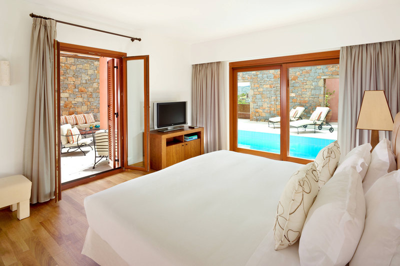 Blue Palace; a Luxury Collection Hotel-The Grand Villa Bedroom<br/>Image from Leonardo