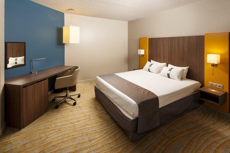 Holiday Inn Lyon Vaise-Executive Room<br/>Image from Leonardo