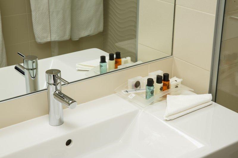 Holiday Inn Lyon Vaise-Stylish Executive Guest Bathroom<br/>Image from Leonardo