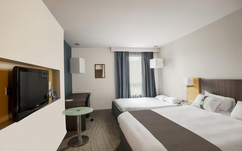 Holiday Inn Lyon Vaise-Guest Room<br/>Image from Leonardo