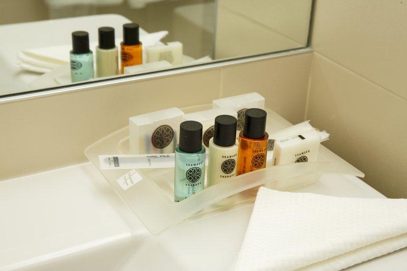 Holiday Inn Lyon Vaise-Executive Guest Bathroom Amenities<br/>Image from Leonardo