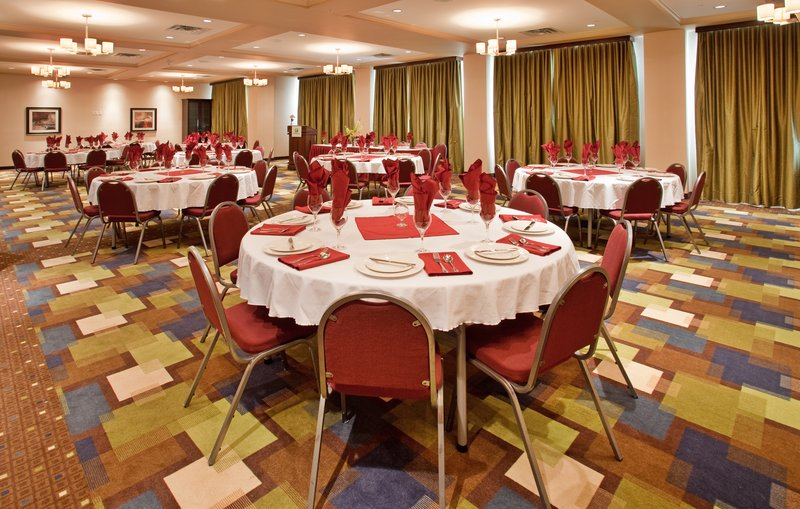 Holiday Inn Hotel & Suites Kamloops-Banquet Room<br/>Image from Leonardo