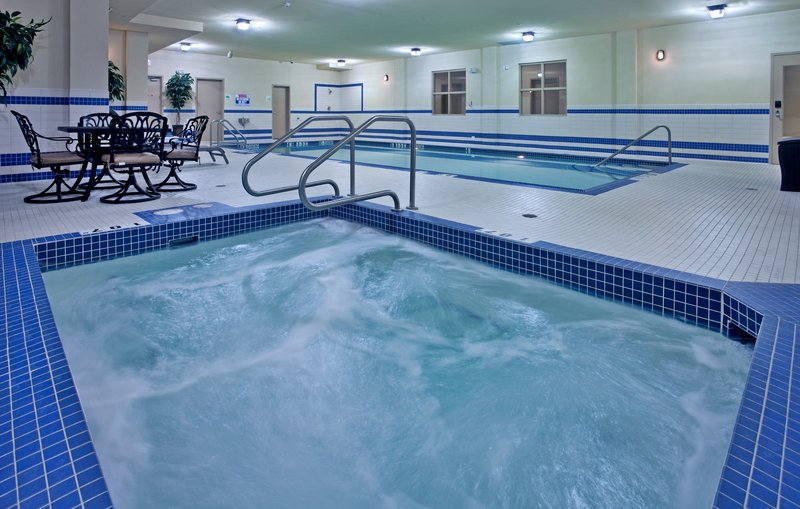 Holiday Inn Hotel & Suites Kamloops-Indoor Whirlpool<br/>Image from Leonardo