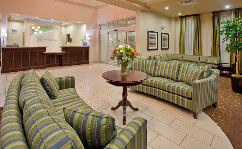 Holiday Inn Hotel & Suites Kamloops-Hotel Front Desk and Lobby<br/>Image from Leonardo
