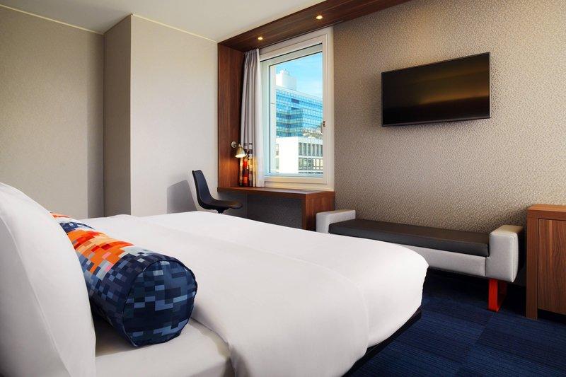 Aloft Stuttgart-Urban Guest room, 2 Twin/Single Bed(s)<br/>Image from Leonardo