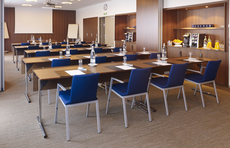 Holiday Inn Express Toulouse Airport-Meeting Room<br/>Image from Leonardo