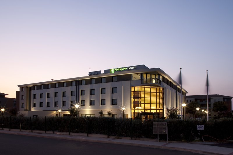 Holiday Inn Express Toulouse Airport-Modern 3 star hotel just 2 minutes away from Toulouse airport<br/>Image from Leonardo