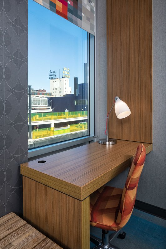 Aloft Minneapolis-Guest Room - Working Accomodations<br/>Image from Leonardo