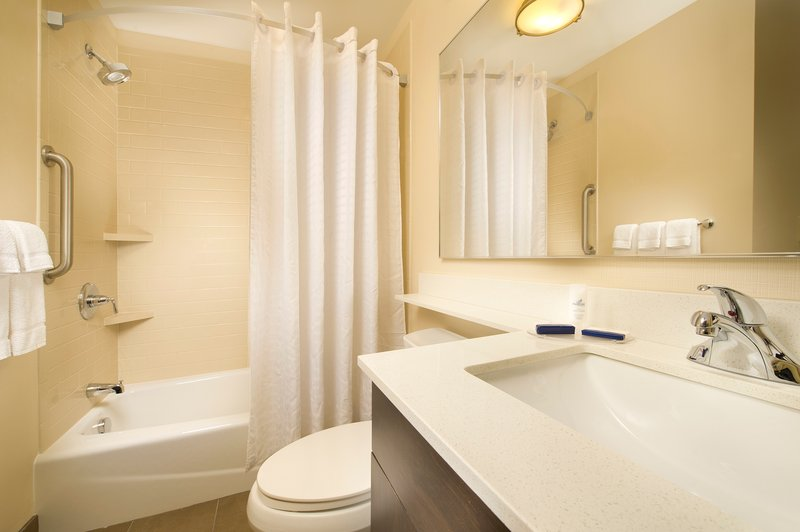 Candlewood Suites Alexandria - Fort Belvoir-Guest Bathroom with Pantene Pro-V shampoo, conditioner and soap<br/>Image from Leonardo