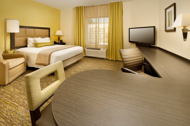 Candlewood Suites Alexandria - Fort Belvoir-Queen Studio Suite with Work Desk and Fully-Equipped Kitchen<br/>Image from Leonardo