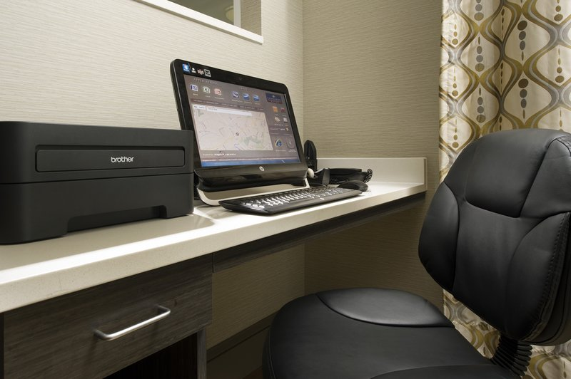 Candlewood Suites Alexandria - Fort Belvoir-24-Hour Business Center with Free Internet Access and Printing<br/>Image from Leonardo