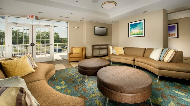 Candlewood Suites Alexandria - Fort Belvoir-Hotel Lobby<br/>Image from Leonardo
