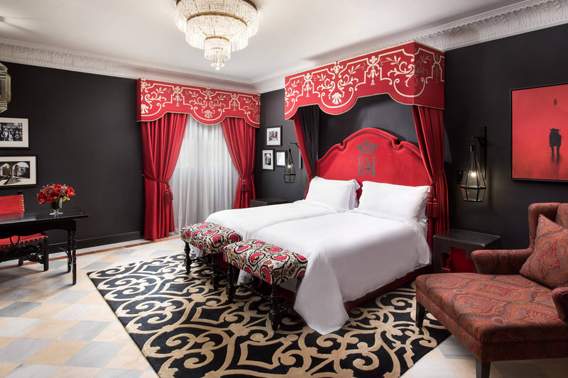 Hotel Alfonso XIII; a Luxury Collection Hotel Seville-Reales Alcázares Suite<br/>Image from Leonardo