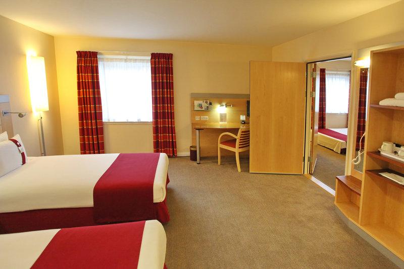 Holiday Inn Express Redditch-Adjoining Room<br/>Image from Leonardo