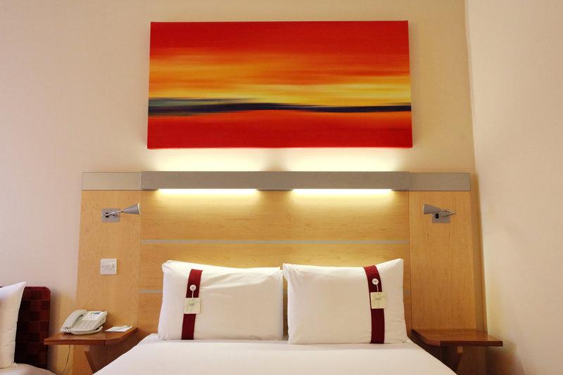 Holiday Inn Express Redditch-Guest Room 2<br/>Image from Leonardo