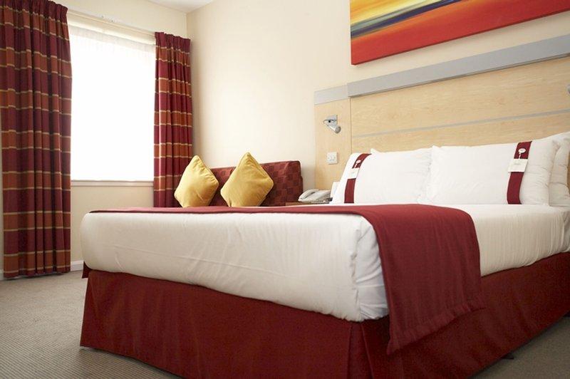 Holiday Inn Express Redditch-Guest Room 1<br/>Image from Leonardo