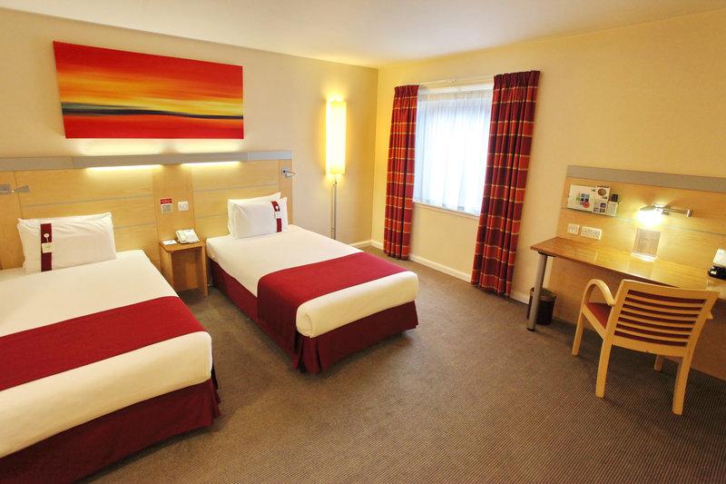 Holiday Inn Express Redditch-Superior Room<br/>Image from Leonardo