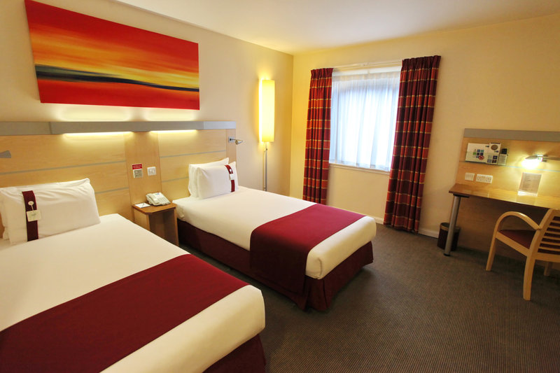 Holiday Inn Express Redditch-Twin Room at Holiday Inn Express Birmingham Redditch<br/>Image from Leonardo