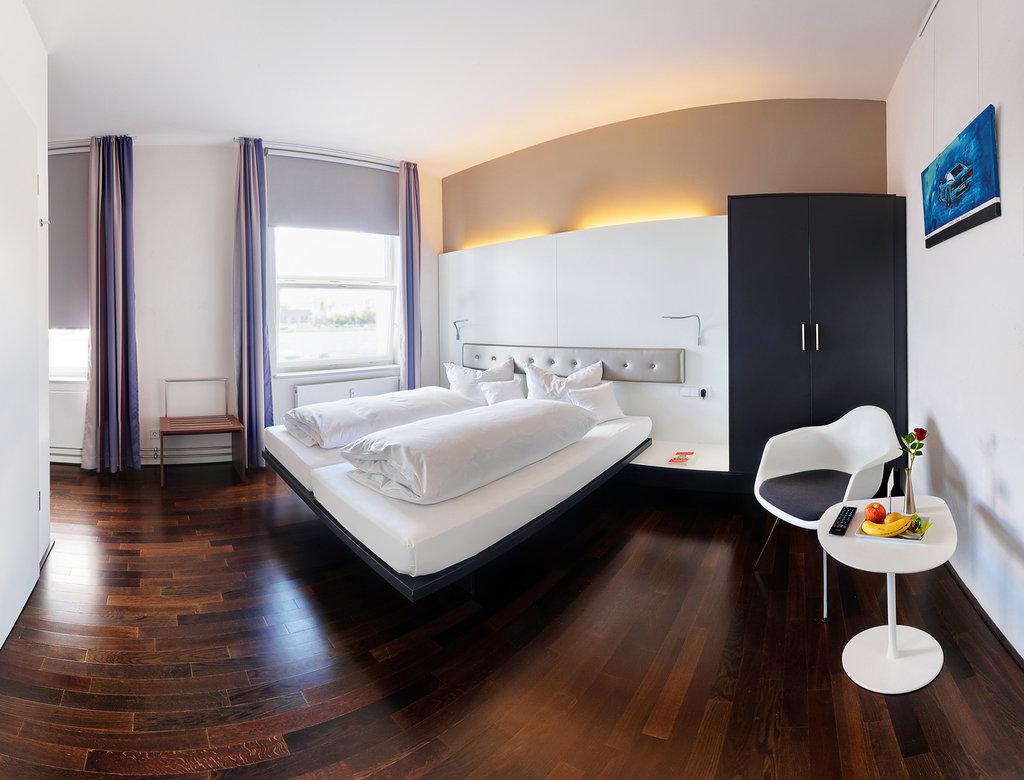 Mercure Hotel Stuttgart Boeblingen-DZ BF<br/>Image from Leonardo