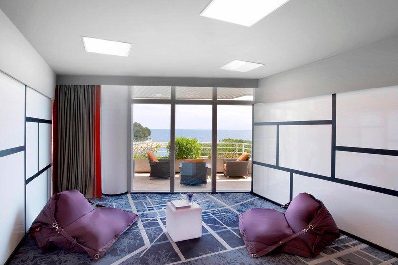 Le Meridien Beach Plaza-Salon Foehn<br/>Image from Leonardo