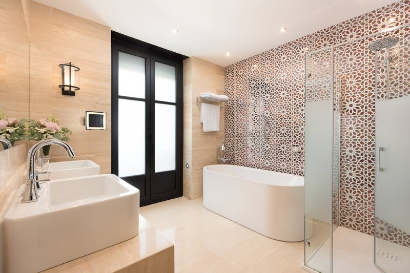 Hotel Alfonso XIII; a Luxury Collection Hotel Seville-Grand Suite - Bathroom<br/>Image from Leonardo