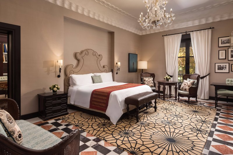 Hotel Alfonso XIII; a Luxury Collection Hotel Seville-Victoria Eugenia Suite<br/>Image from Leonardo