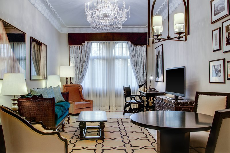 Hotel Alfonso XIII; a Luxury Collection Hotel Seville-Premium Suite<br/>Image from Leonardo
