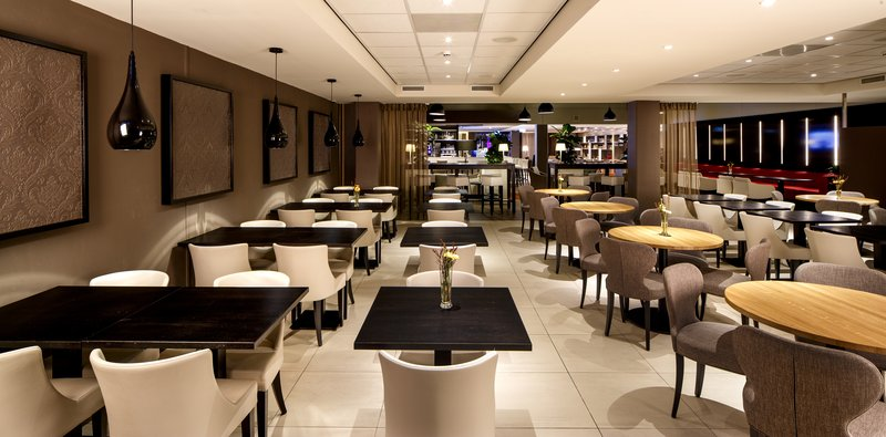 Holiday Inn Express The Hague - Parliament-Restaurant<br/>Image from Leonardo