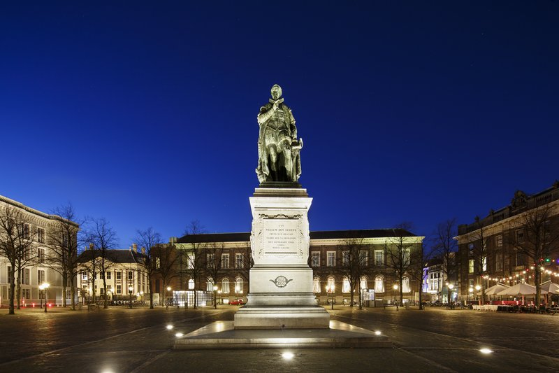Holiday Inn Express The Hague - Parliament-Willem, Prince of Orange Statue<br/>Image from Leonardo
