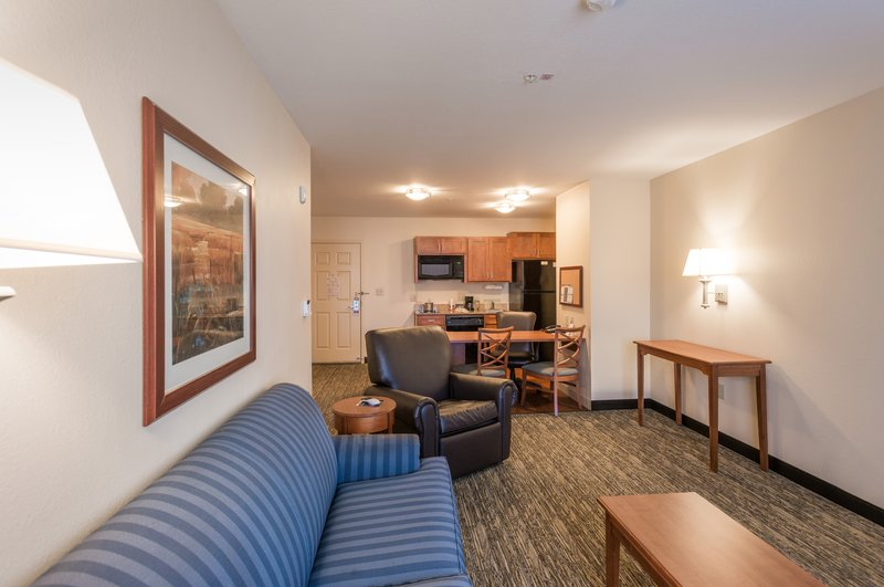Candlewood Suites Mobile-Downtown-Living and kitchen zones to help you settle in and enjoy your stay<br/>Image from Leonardo