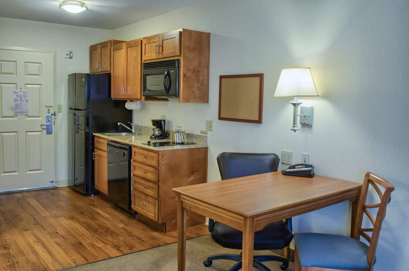 Candlewood Suites Mobile-Downtown-Full Kitchen and Large Work Area with Free Wi-Fi in every Suite!<br/>Image from Leonardo